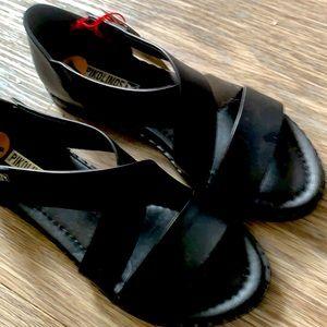 Brand new size 7 Pikolino ladies sandals
